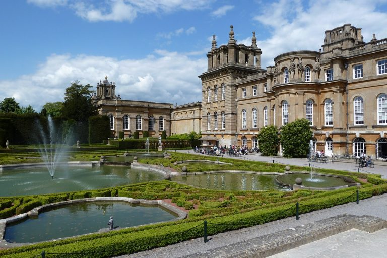 Blenheim Palace Churchill's birthplace,  explore Oxford on your own